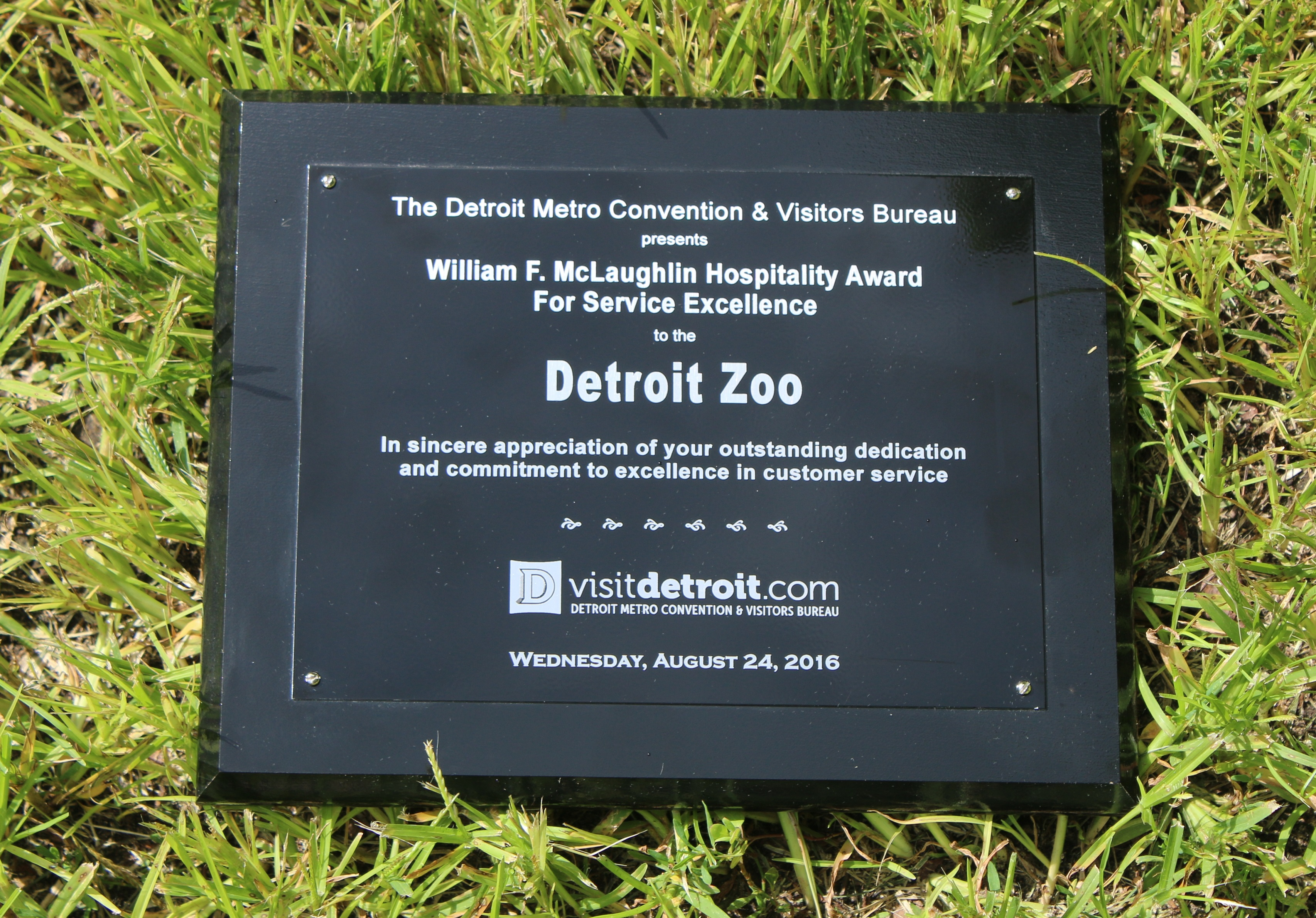 detroit zoo earns top honors for customer service. Black Bedroom Furniture Sets. Home Design Ideas